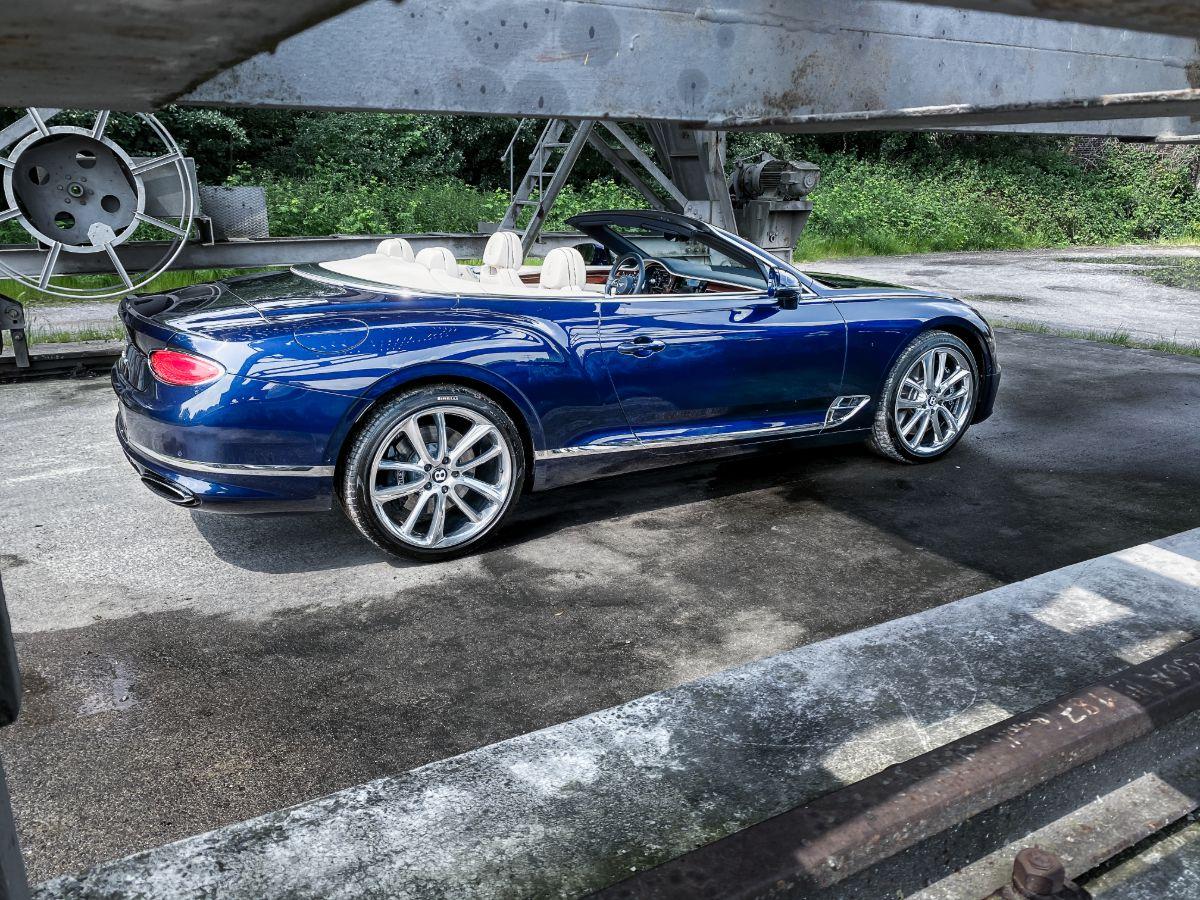 bentley-continental-gt-convertible-fahrzeugakte-hs59fp7-57-1200x900-16